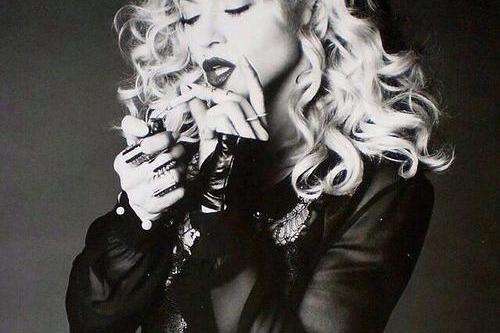 Madonna publica varios temas de su nuevo disco en internet