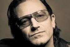 El cantante de U2 Bono recibe el mayor premio cultural de Francia