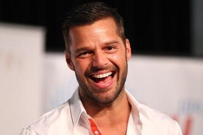 """Ricky Martin lanza nuevo sencillo, """"Come With Me"""""""