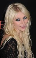Taylor Momsen se desnuda para promocionar a The Pretty Reckless