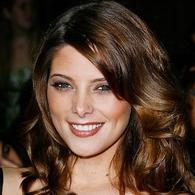 ¡Ashley Greene:embajadora de cosméticos!