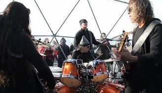 Heavy metal en la Antártida