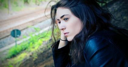 Se solicita joven latina de aproximadamente 17 años para vídeo institucional en Madrid