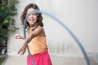Se seleccionan niñas morenas de 8 a 12 años para figuración en Madrid