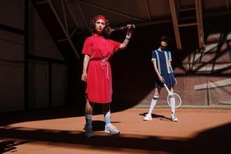 Se buscan mujeres de 25 a 45 años que que jueguen tenis para campaña