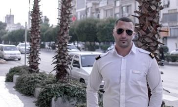 Se buscan urgentemente chicos altos de 25-40 años para figuración en Barcelona