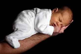 Se busca bebé recién nacido para largometraje en Vitoria