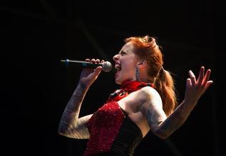 Se necesitan actriz y actor cantantesentre 20 y 45 años para musical en Madrid