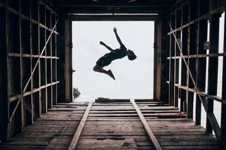 Buscamos especialistas en acrobacias (Parkour, gimnasia deportiva, capoeira etc) entre 18 a 25 años para spot en Tailandia