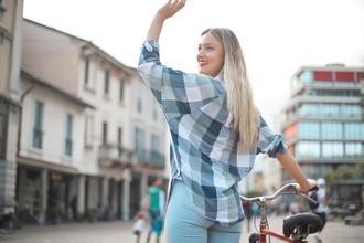 Se buscan hombres y mujeres de 25 a 45 años que sepan montar en bicicleta para rodaje en Madrid