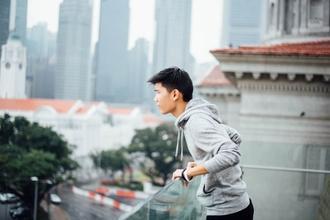 Urgen chicos con rasgos asiáticos para figurantes en vídeo social en Barcelona