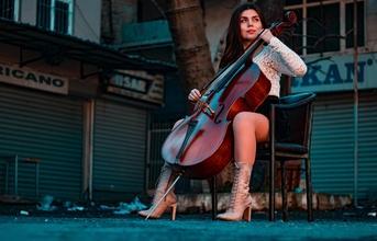 Se convocan músicos de 25 a 40 años que toquen cello o instrumento de cuerda para proyecto en Madrid