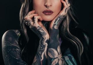 Se buscan urgentemente mujeres con tatuajes y piercings para figuración en película en Mallorca