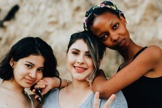 Se busca grupo de amigos reales de 18 y 26 años, de estilo urbano y de todas las etnias en Barcelona