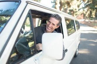 Se solicita hombre de 50 a 70 años conductor especialista para escenas de riesgo en Madrid