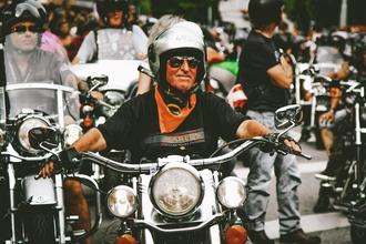 Se solicitan hombres y mujeres con moto para spot publicitario en Madrid