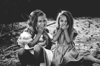 Se solicitan niñas gemelas de 8 a 12 años para serie nacional de TV a rodar en Asturias