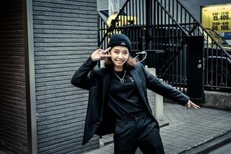 Se solicita bailarina asiática menor de 30 años que sepa danza moderna, hip-hop o baile de jazz en Barcelona