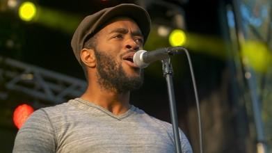 Se seleccionan cantantes de etnia negra y asiáticos para spot publicitario en Madrid