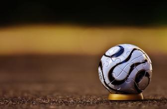 Se convocan hombres de 18 a 35 años que jueguen fútbol para proyecto en Barcelona