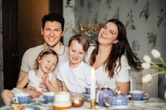 Se precisan familias reales para spot en A Coruña