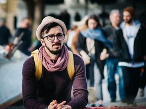 Se precisan actor de 30 a 40 años portuguéspara vídeo online en Madrid
