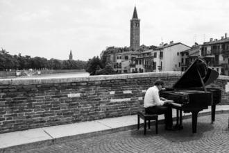Se selecciona pianista de 30 a 50 años para proyecto remunerado