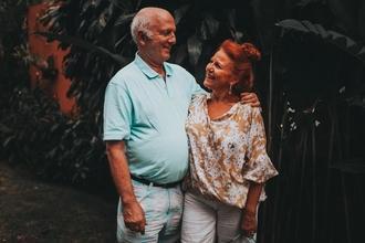 Se buscan hombre y mujer a partir de 50 años para videoclip en Madrid