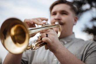 Se convocan personas de 16 a 50 años que toquen saxo ó trompeta para proyecto en Barcelona