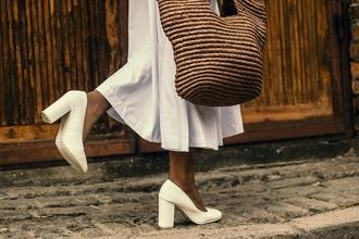 Se requieren modelos femininas con talla de zapatos 37 para sesión de fotos
