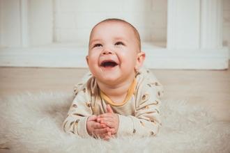 Se solicitan bebés de 10 a 15 meses de origen caucásico para cortometraje en Madrid