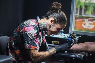 Se precisan tatuadores de 28 a 38 años para proyecto remunerado en Barcelona