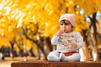Se solicita niña de 1 año para rodaje en Madrid