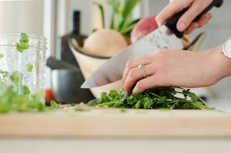 Se solicitan modelos de manos con conocimientos de cocina para proyecto en Madrid