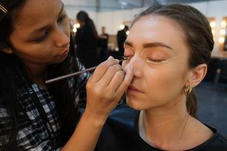 Se solicitan maquilladores a partir de 18 años que se especializados en bodypainting para publicidad