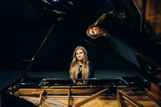 Se convocan mujeres pianistas de 25 a 35 años para musical en Madrid