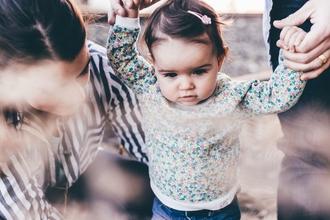 Se convocan bebés de 16 a 20 mesescon el pelo y ojos castaños o negros para spot de televisión en Madrid