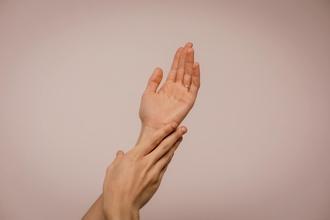 Se requieren modelos de manos de 25 a 40 años para spot en Madrid
