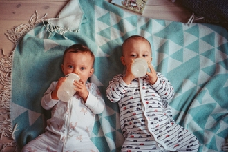 Se solicitanbebés de 6 a 10 meses gemelos o mellizospara serie de televisión en Barcelona