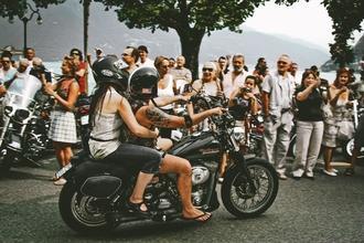 Se precisan hombres y mujeres a partir de 18 años que tengan una Harley Davidson rodaje de publicidad en Barcelona