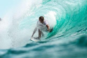 Se busca urgentemente chico que sepa surfear para figuración en Gran Canaria