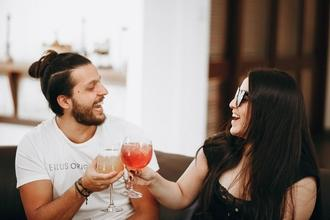 Se requieren hombre y mujer de 25 a 45 años para proyecto remunerado en Barcelona