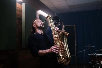Se solicitan grupos de jazz de 20 a 30 años para proyecto en Madrid
