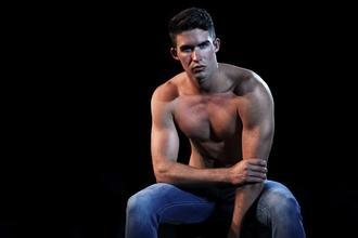 Modelos hombres con experiencia para recepción boutique lujo Madrid