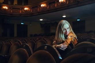 Se precisa actor y actriz de menos de 30 años para obra teatral en Málaga