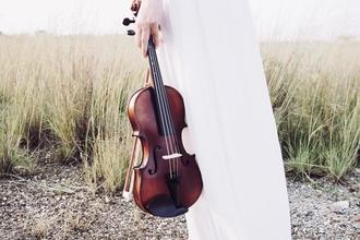 Se necesitan hombres y mujeres que toquen violín de 18 a 70 años para rodaje en Madrid