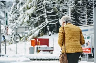Se solicitan mujeres de 65 años para figuración en Madrid