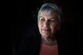 Se necesita urgentemente mujer de unos 65-70 años para rodaje en Benidorm