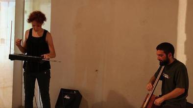 Se convocan chicas y chicos de 18 a 35 años que toquen el theremin en Barcelona