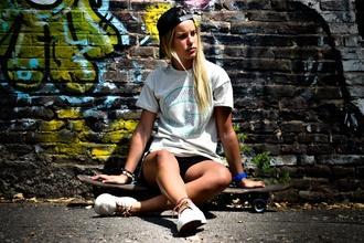 Se precisa una chica skater de 16 a 25 años con nivel alto para spot en Barcelona